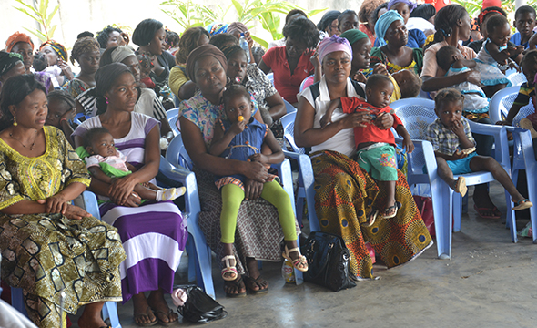 Women learn about preventing mother-to-child transmission of HIV